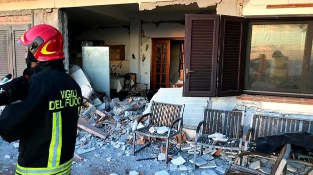 eruzione etna, messina catania a18 chiusa, sciame sismico, terremoto catania, terremoto etna, Sicilia, Cronaca