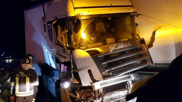 incidente lamezia autostrada, Catanzaro, Calabria, Cronaca