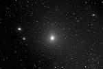La cometa di Natale su uno sfondo di stelle cadenti (fonte: UAI)