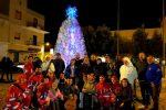 Albero di Natale ecologico a Lampedusa: realizzato con 3 mila bottiglie di plastica riciclate