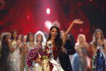 Ecco la nuova Miss Universo: le foto del trionfo di Catriona Gray a Bangkok