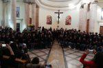 Piccoli studenti cantano il Natale: coro in concerto a Messina