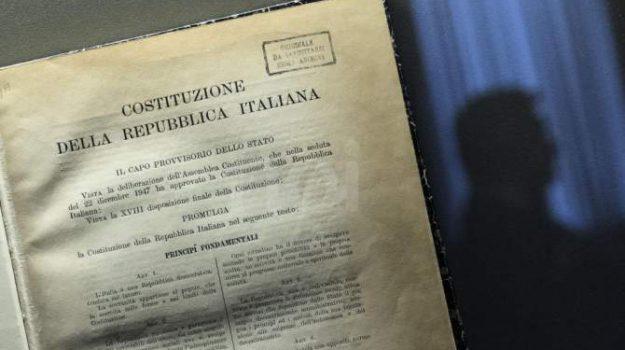 comune di mirto crosia, consegna copia costituzione, liceo scientifico, Cosenza, Calabria, Società