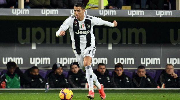 molestie ronaldo, ronaldo juventus, serie a, Cristiano Ronaldo, Sicilia, Sport