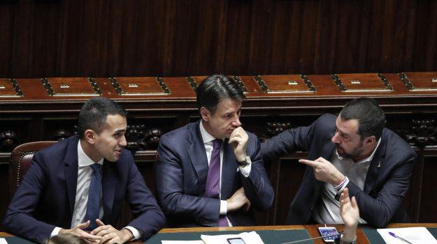 def, flat tax, governo, Giuseppe Conte, Luigi Di Maio, Matteo Salvini, Sicilia, Politica