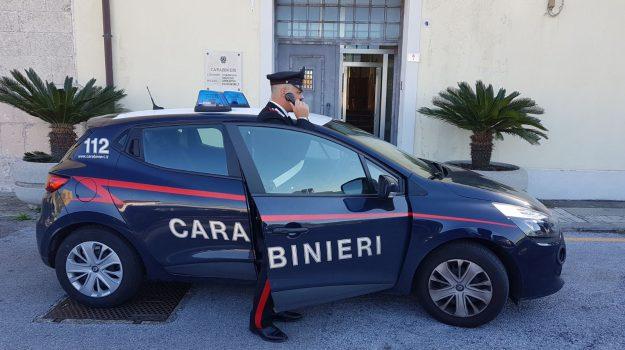 maltrattamenti famiglia, milazzo, trentaduenne 32enne, Messina, Sicilia, Cronaca