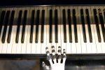 Creata la prima mano robot capace di suonare il pianoforte