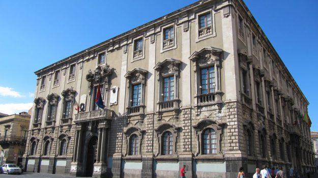 comune catania dissesto, Sicilia, Economia