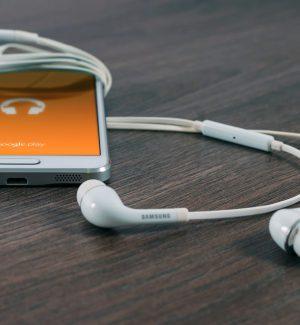 Azienda offre 100.000 dollari a chi riesce a stare un anno senza smartphone