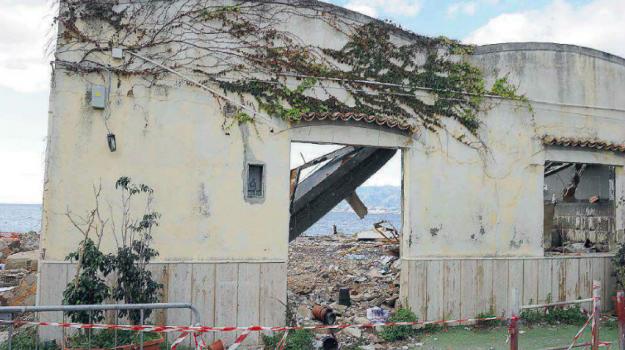 #amareggio, amianto Reggio, demolizioni reggio, reggio, Reggio, Calabria, Cronaca