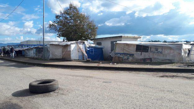 braccopoli migranti reggio, ghetto reggio calabria, migranti reggio, tendopoli reggio, Reggio, Calabria, Cronaca