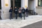 Arresti per 'ndrangheta a Reggio, gli otto arrestati fuori dalla squadra mobile - Video