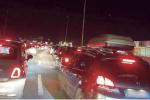 Viabilità al collasso a Milazzo: tutti in coda nella zona commerciale