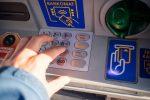 Palermo, ancora truffe bancomat: invece di ricevere 350 euro ne sborsa 850