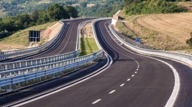 autostrade siciliane, trasporti, Giancarlo Cancelleri, marco falcone, Sicilia, Economia