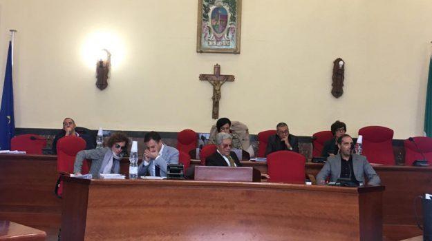 azzeramento giunta vibo, crisi comune vibo, sindaco e assessori vibo, Elio Costa, Catanzaro, Calabria, Politica