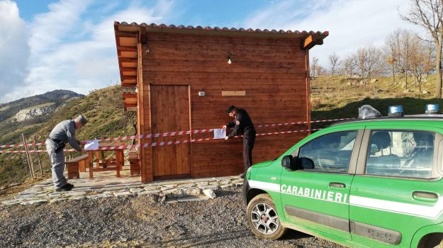 casa in legno abusiva, parco del pollino, sequestro, Cosenza, Calabria, Cronaca