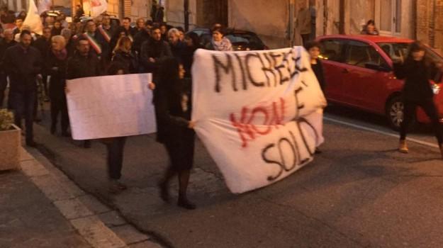 minacce morte cinquefrondi, minacce sindaco cinquefrondi, scritte muro casa sindaco cinquefrondi, Michele Conia, Reggio, Calabria, Cronaca