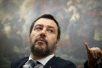 "Migranti, Salvini: ""Mai più in Italia chi aiuta i trafficanti di esseri umani"""