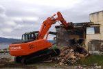 Abusivismo, al via la demolizione dell'ex Fata Morgana a Reggio Calabria