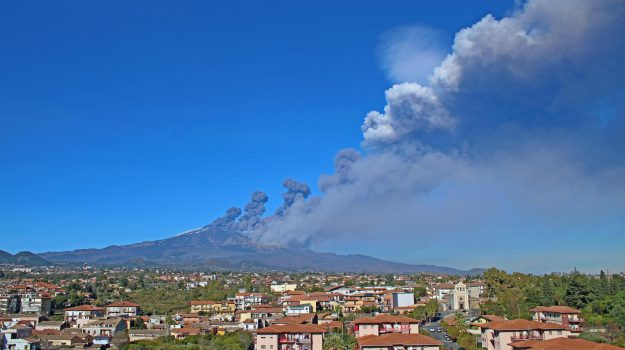 colata lavica, eruzione etna, ingv, Eugenio Privitera, Sicilia, Cronaca