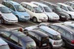 Ecotassa su auto più inquinanti fino a 2.500 euro Quattro soglie che toccano anche macchine non di lusso