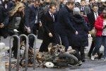 Macron fra le macerie dell'avenue Kleber