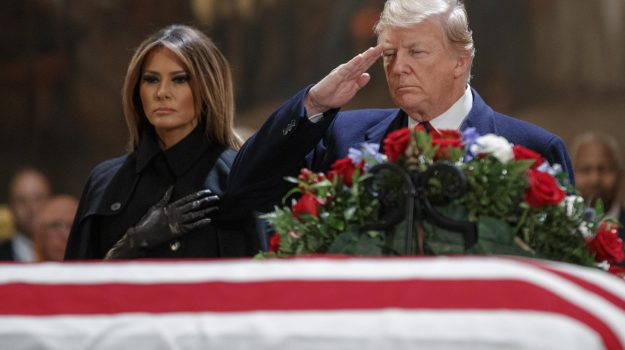 Morte bush usa, Donald Trump, george bush, Melania Trump, Sicilia, Mondo