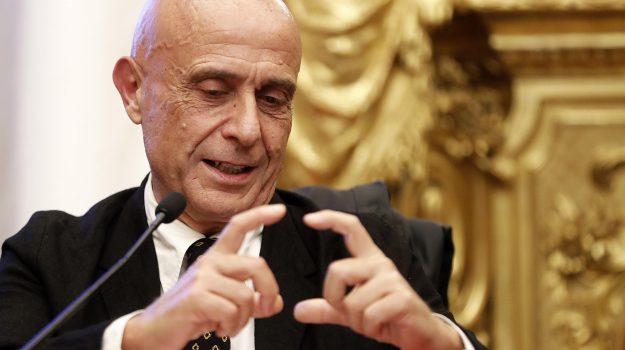 congresso pd, Minniti ritira candidatura, primarie del Pd, Marco Minniti, Calabria, Politica