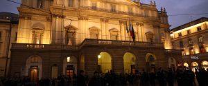 Per la prima alla Scala biglietti fino a 3.000 euro. Lunghe file per i posti sul loggione