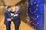 """La Commissione Ue """"salva"""" l'Italia: niente procedura per debito eccessivo"""