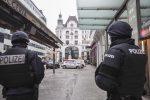 Killer in azione in pieno giorno a Vienna per un regolamento di conti: le immagini
