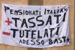 Pensionati contro la Manovra: siamo il loro bancomat