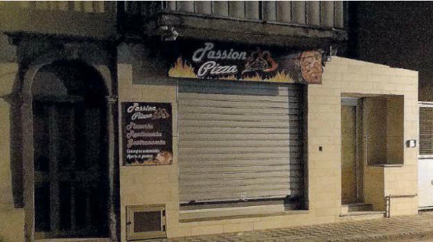 incendio pizzeria, racket, reggio, Reggio, Calabria, Cronaca