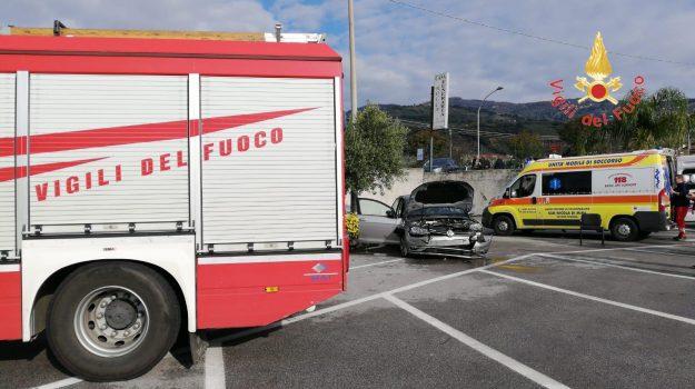 auto, incidente, lamezia, scontro, Catanzaro, Calabria, Cronaca