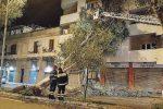 Maltempo a Messina, alberi sradicati e pali della luce piegati dal forte vento