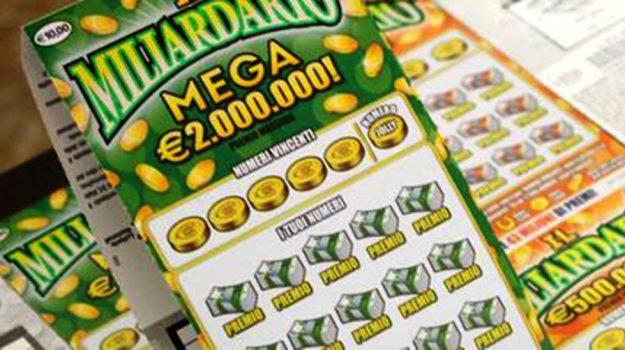 gratta e vinci, il miliardario mega, vincita milionaria, Catanzaro, Calabria, Cronaca