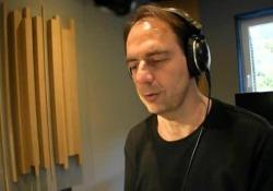 L'attore voce dell'audiolibro «Come fermare il tempo» (Emons-Edizioni e/o)