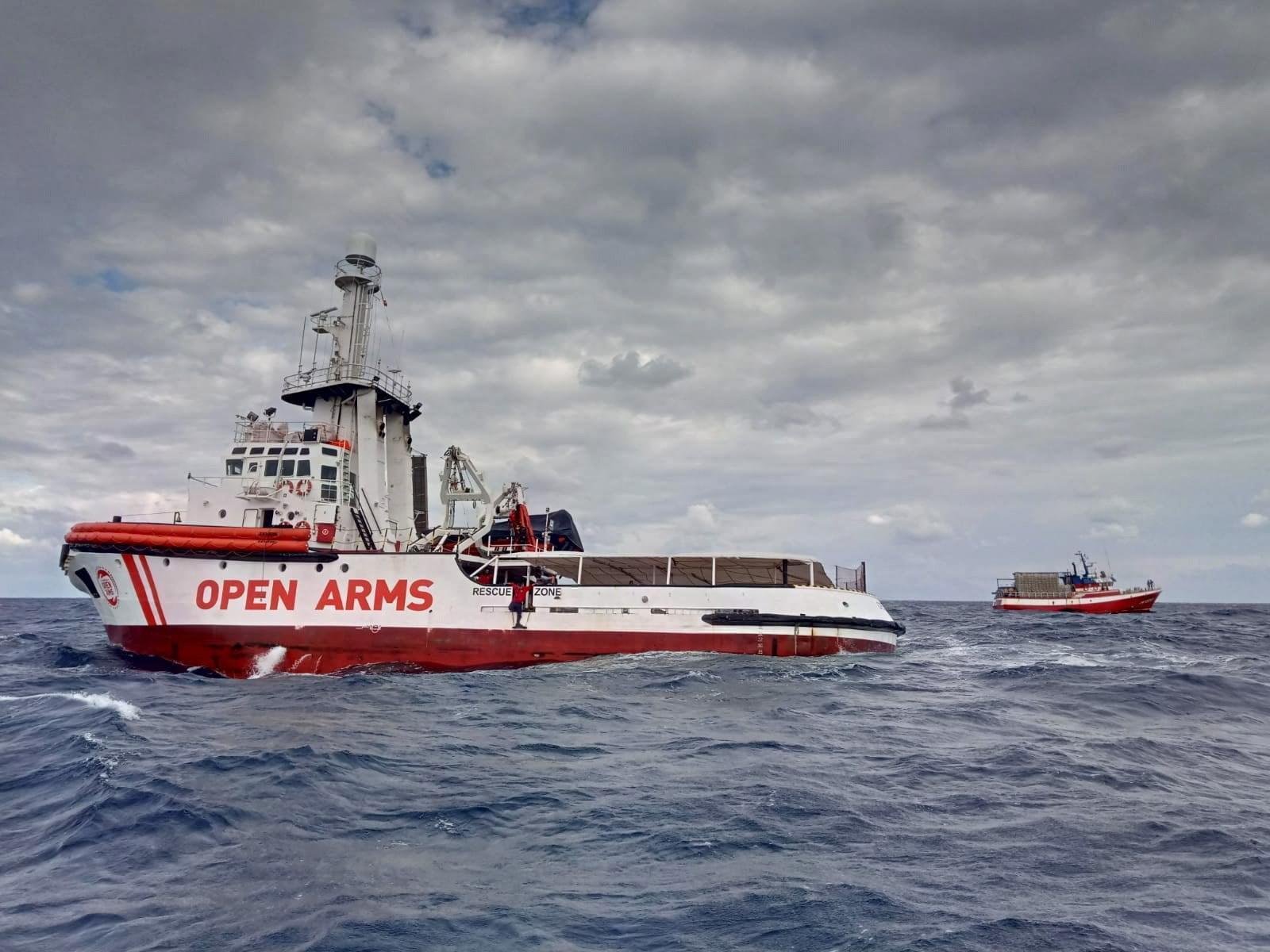 Risultati immagini per immagine della nave open arms