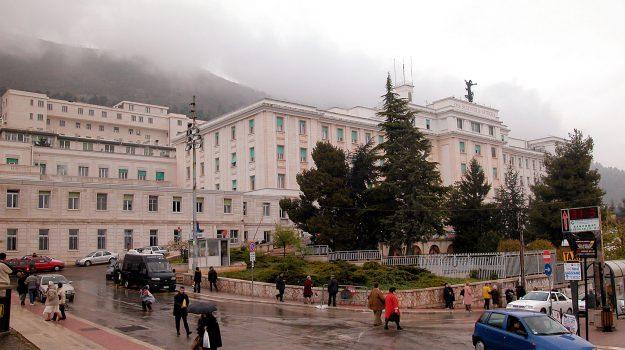 arresto infermiere san giovanni rotondo, infermiere violenta paziente, Sicilia, Cronaca