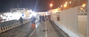 Treni in ritardo e corse al traghetto: l'odissea di un viaggiatore tra Messina e Calabria