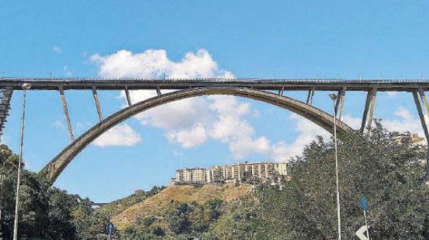catanzaro, danilo toninelli, ponte bisantis, Francesca Ferrandino, sanilo toninelli, Sergio Abramo, wandaa ferro, Catanzaro, Calabria, Politica