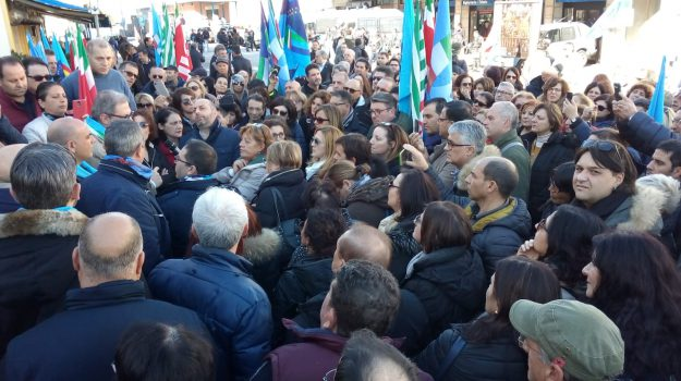 protesta lsu-lpu, vertenza lsu lpu, Calabria, Economia