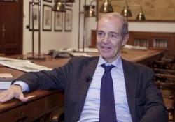 Roberto Costantini: «Il mio Balistreri adesso riflette» Lo scrittore racconta il suo nuovo romanzo «Da molto lontano» (Marsilio) - Corriere Tv