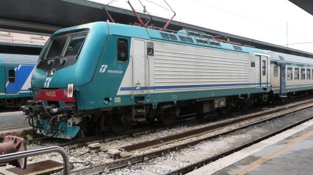 Galleria Montagnareale, pendolari, treni elettrici, treni messina-palermo, trenitalia, Messina, Sicilia, Cronaca