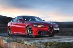 Alfa Giulia e Stelvio Quadrifoglio vincono trofei What Car?