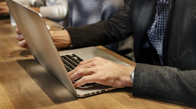 agenzia delle entrate, associazione commercialisti, codacons, fatture elettroniche, Marco Cuchel, Sicilia, Economia