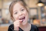 I polifenoli impediscono ai batteri 'cattivi' di attaccarsi ai denti e alle gengive