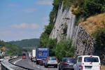 A4, messa in sicurezza delle pareti rocciose