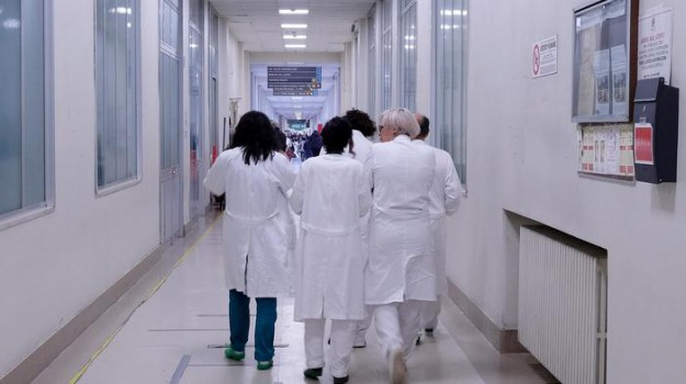 carenza personale sanitario cosenza, ospedale cetraro, ospedale paola, Cosenza, Calabria, Cronaca
